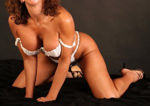Lison independent escort in El Sobrante