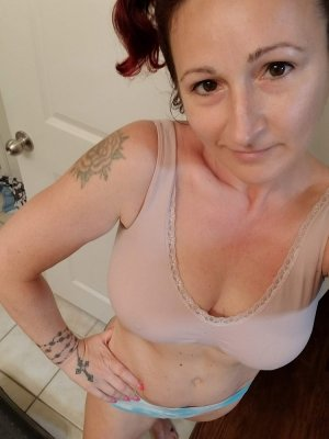 Keli escort girls in North Olmsted