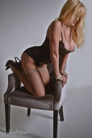 Lynoa escort girl in Wilkes-Barre