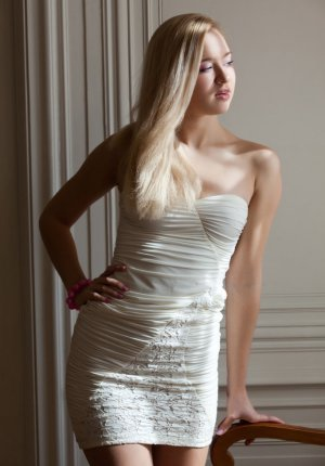 Marcella speed dating & independent escort