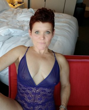 Rozane adult dating in El Sobrante